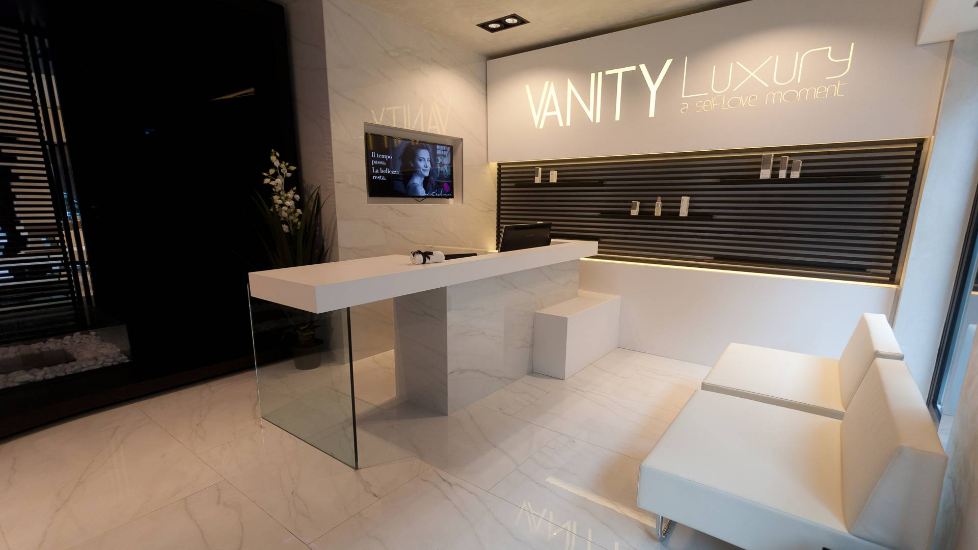 Vanity Luxury - Hall